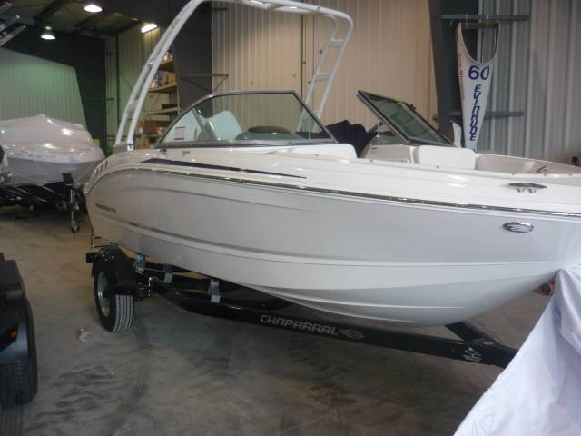 2018 CHAPARRAL 19 H2O SPORT