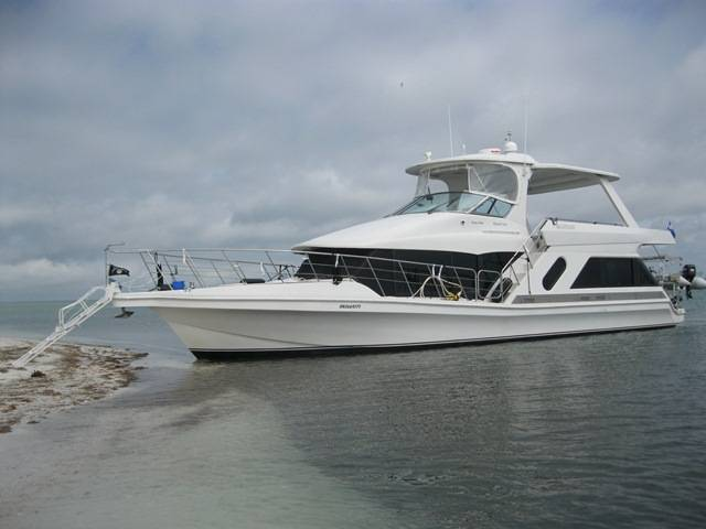1999 BLUEWATER YACHTS 5200