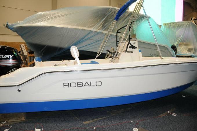 2018 ROBALO R160