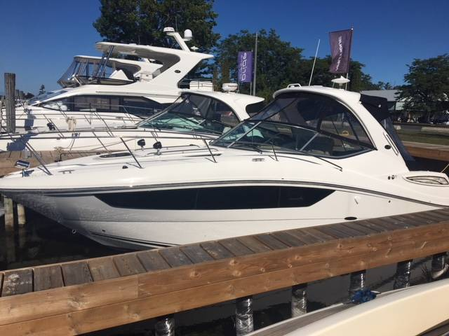 2017 SEA RAY SUNDANCER 330