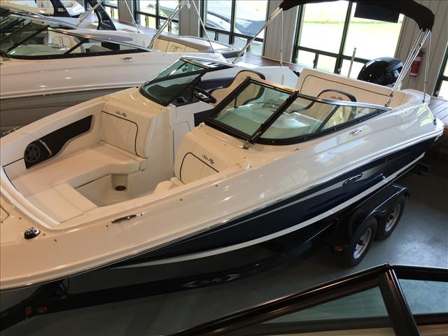 2015 SEA RAY 220 SUNDECK OB