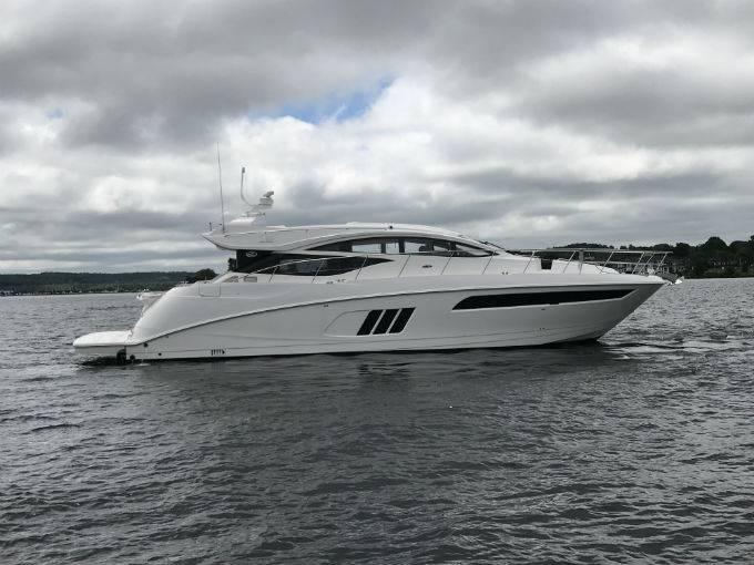 2017 SEA RAY L590