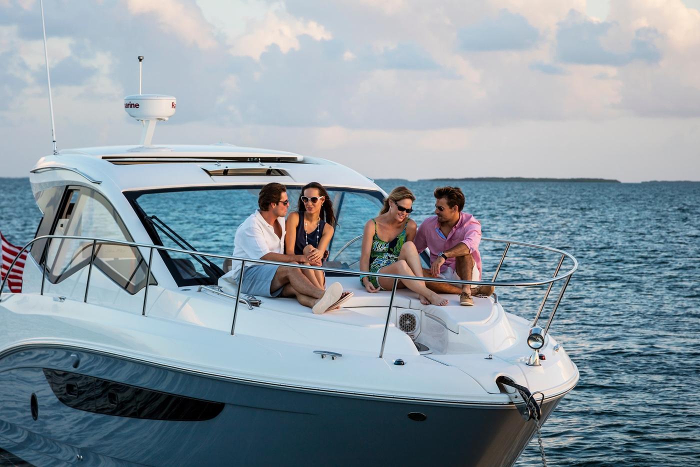 New Boat Brochures 2017 Sea Ray Sundancer 350 Coupe