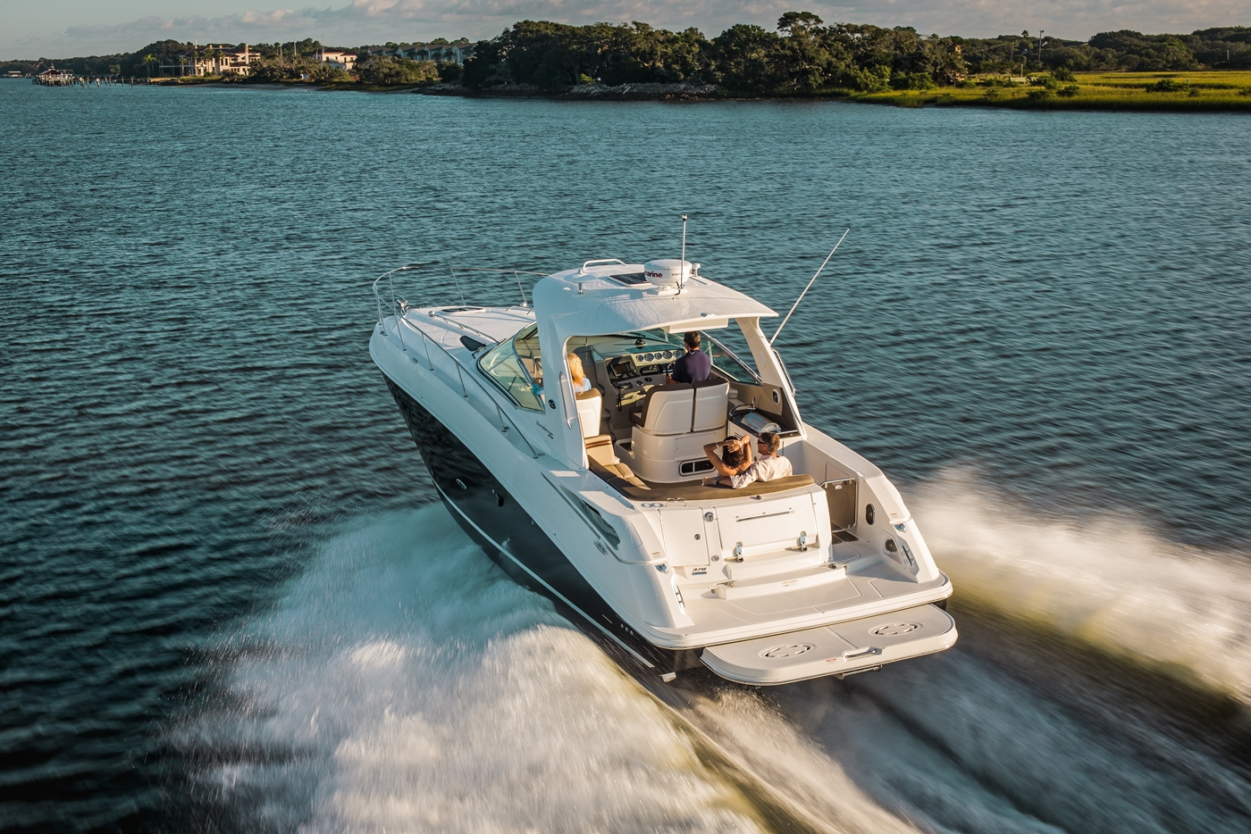 Down Payment Calculator >> New Boat Brochures - 2017 SEA RAY SUNDANCER 370