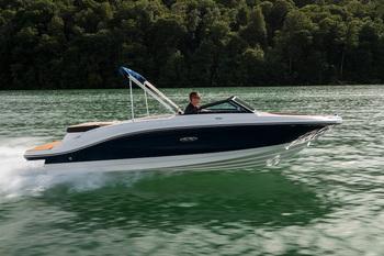 2019 SEA RAY SPX 210
