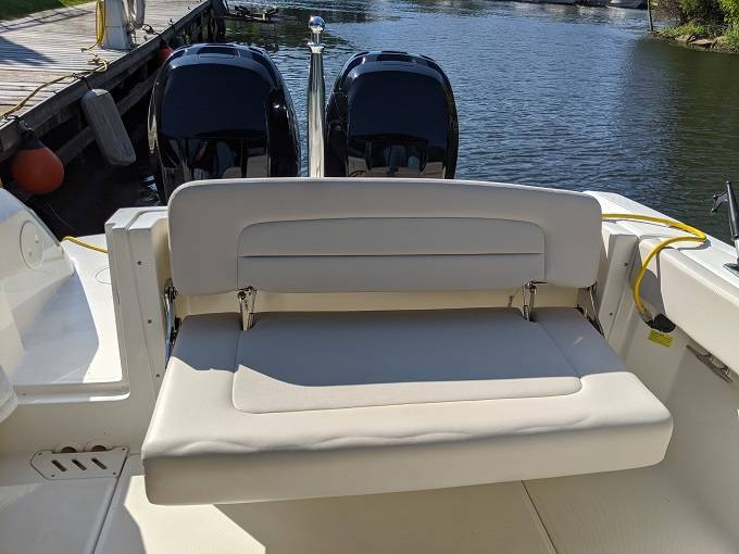 2016 Boston Whaler boat for sale, model of the boat is 27 VANTAGE & Image # 14 of 18