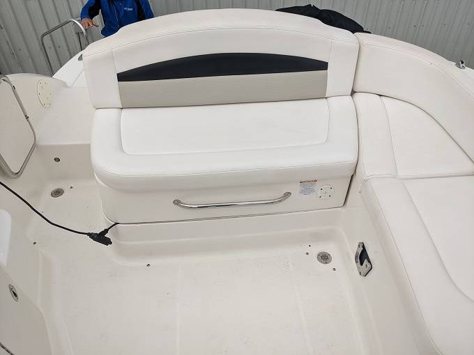 2010 Chaparral boat for sale, model of the boat is 224 SUNESTA & Image # 15 of 18