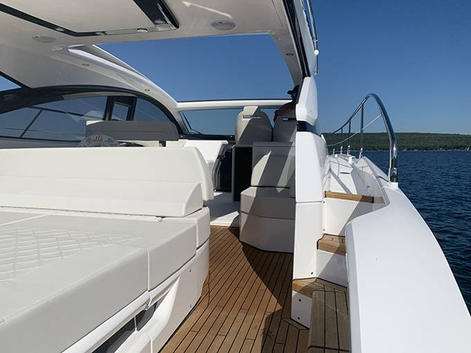 2020 Fairline boat for sale, model of the boat is 43 TARGA & Image # 23 of 34