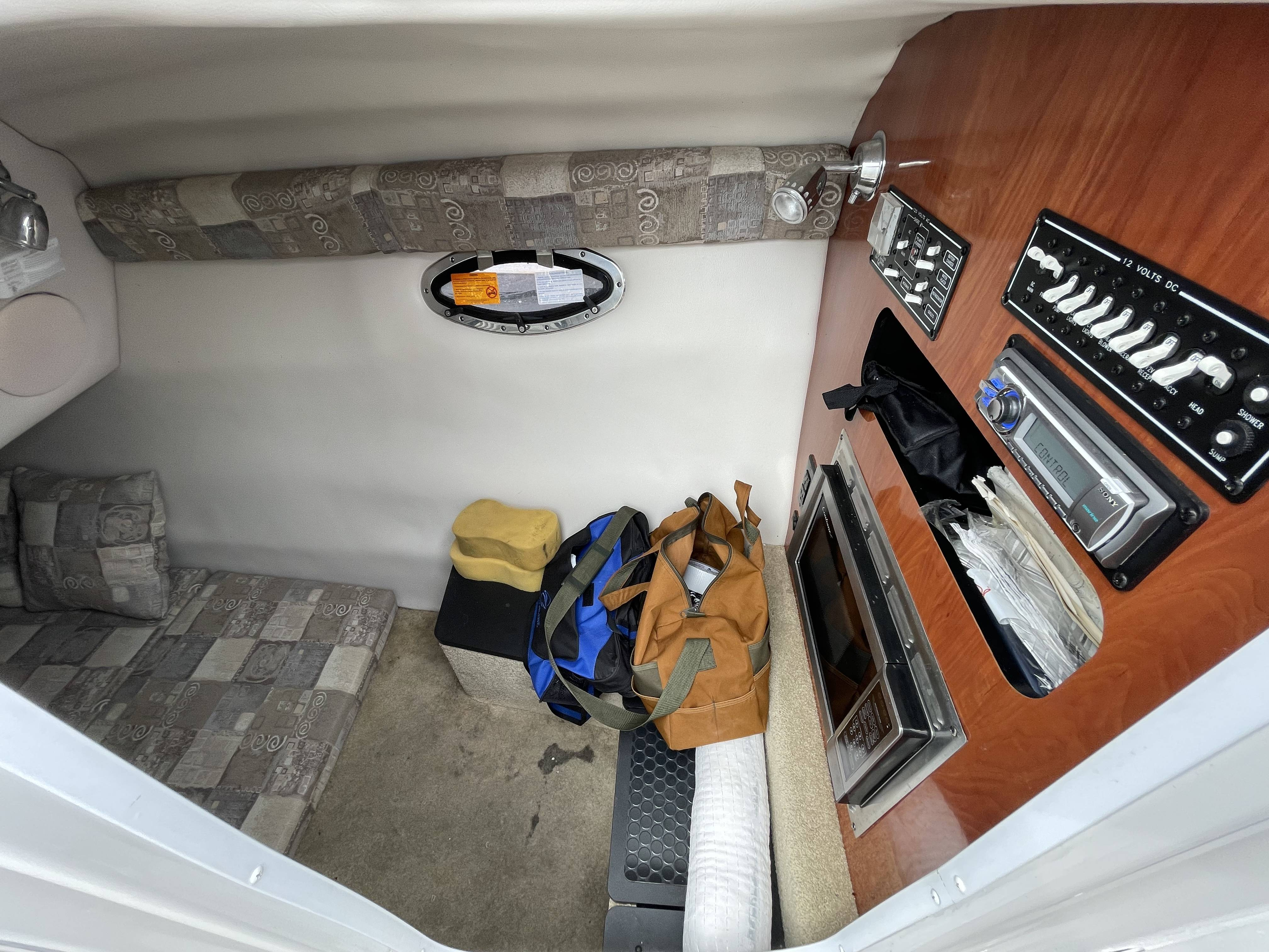 2011 Crownline boat for sale, model of the boat is 320 LS & Image # 38 of 55
