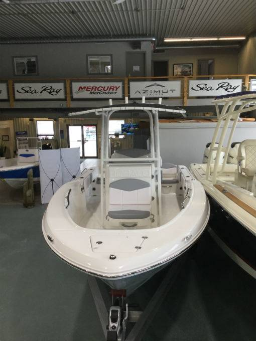 2020 Robalo boat for sale, model of the boat is R180 & Image # 13 of 15