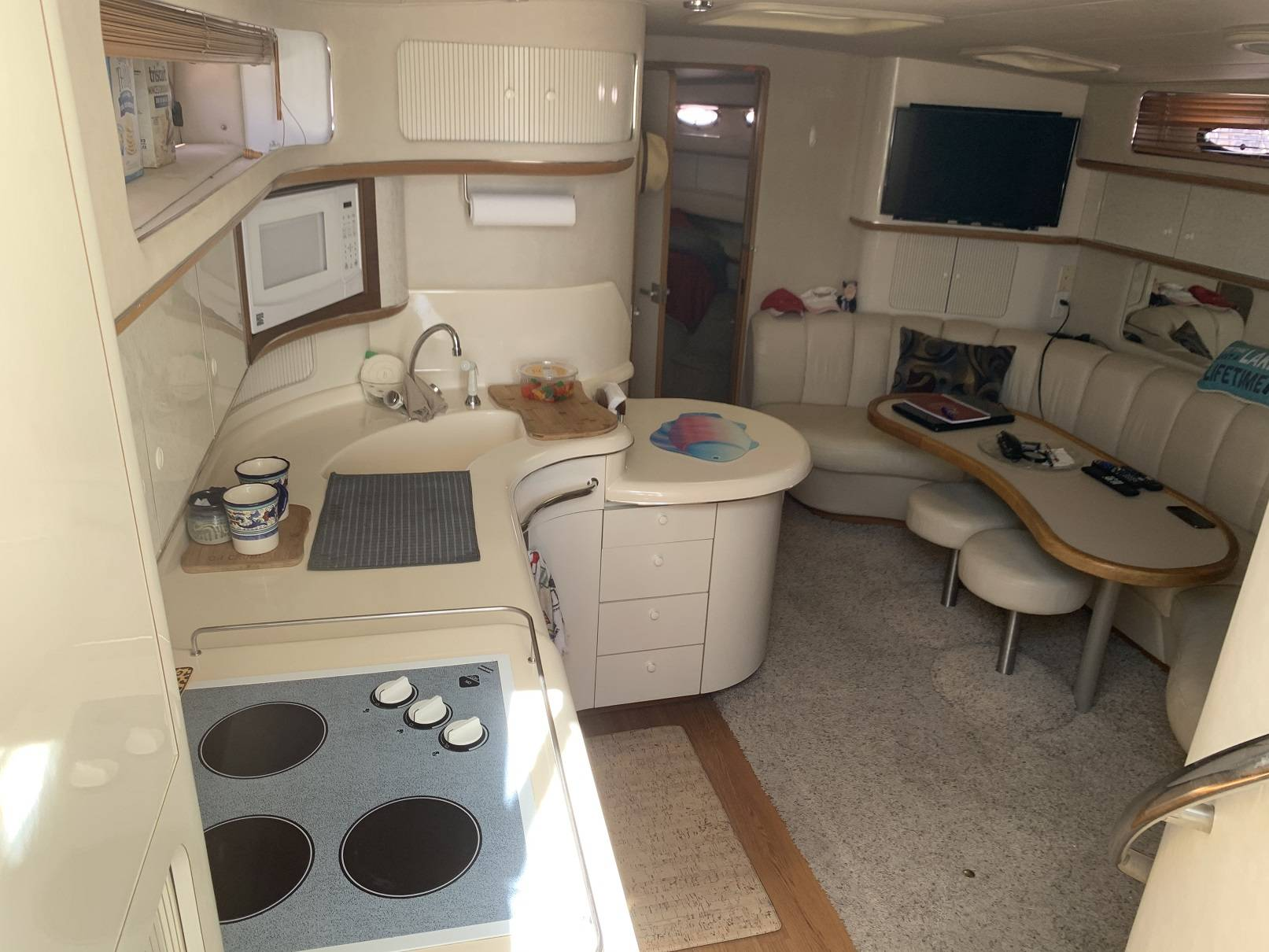 1995 Sea Ray boat for sale, model of the boat is 450 SUNDANCER & Image # 20 of 43