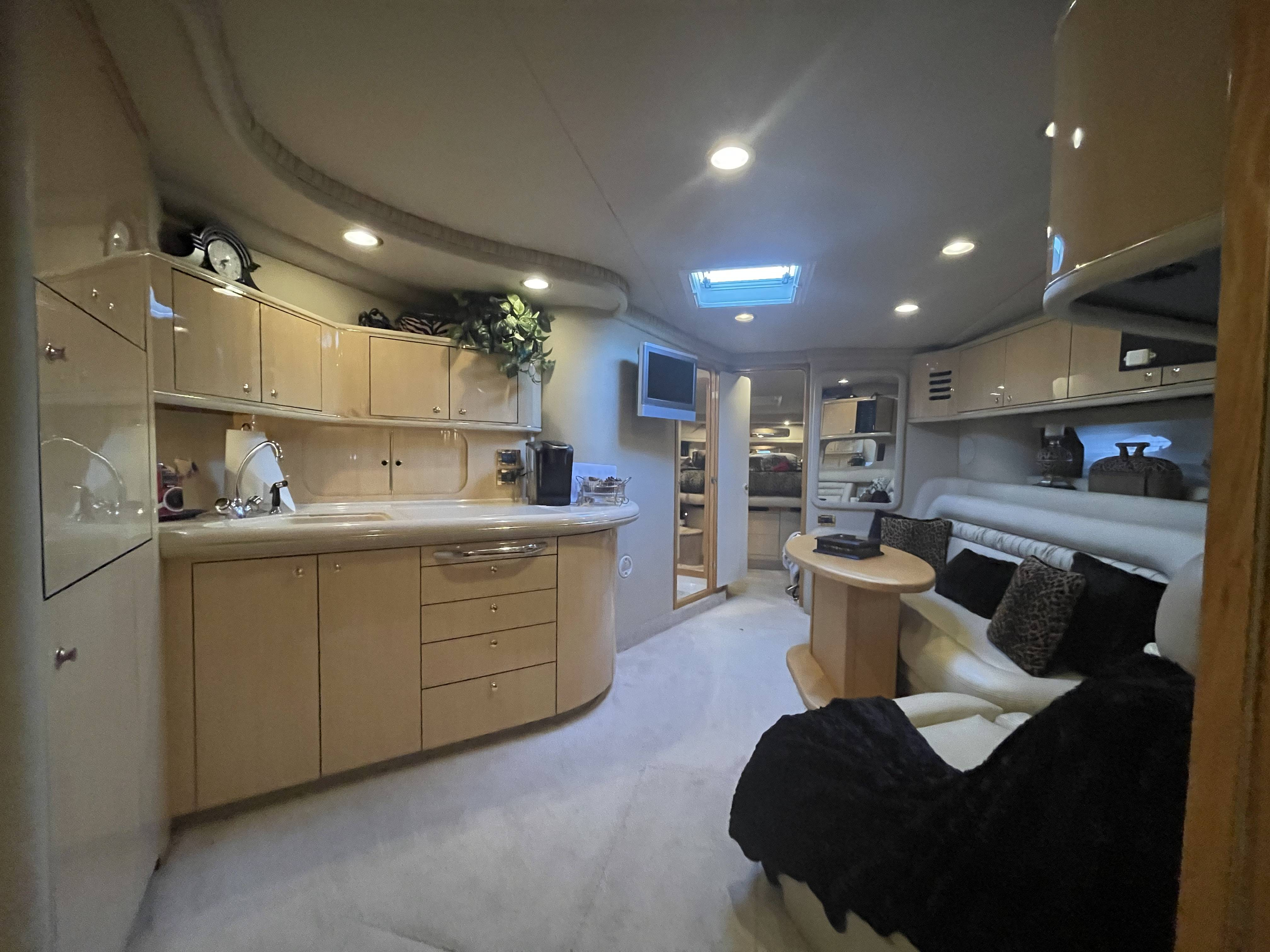 1999 Sea Ray boat for sale, model of the boat is 460 SUNDANCER & Image # 46 of 48