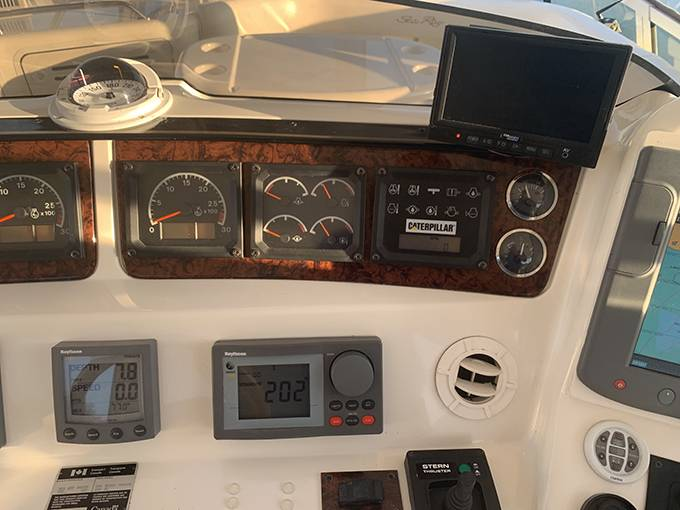 2000 Sea Ray boat for sale, model of the boat is 480 SEDAN BRIDGE & Image # 31 of 76
