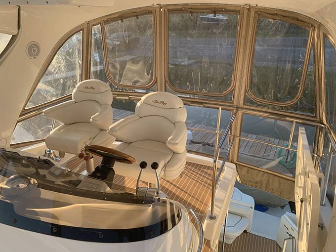 2000 Sea Ray boat for sale, model of the boat is 480 SEDAN BRIDGE & Image # 19 of 76