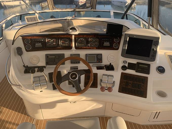 2000 Sea Ray boat for sale, model of the boat is 480 SEDAN BRIDGE & Image # 24 of 76