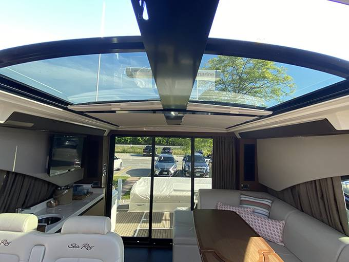 2014 Sea Ray boat for sale, model of the boat is 510 SUNDANCER & Image # 29 of 47