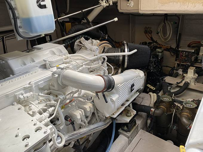 2014 Sea Ray boat for sale, model of the boat is 510 SUNDANCER & Image # 8 of 47