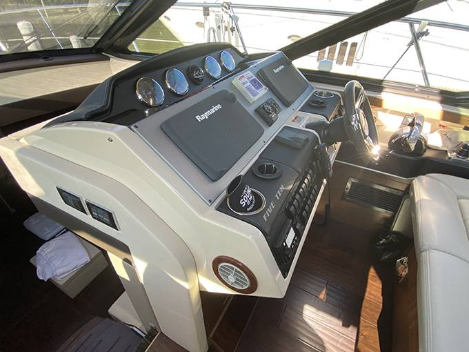 2014 Sea Ray boat for sale, model of the boat is 510 SUNDANCER & Image # 28 of 47
