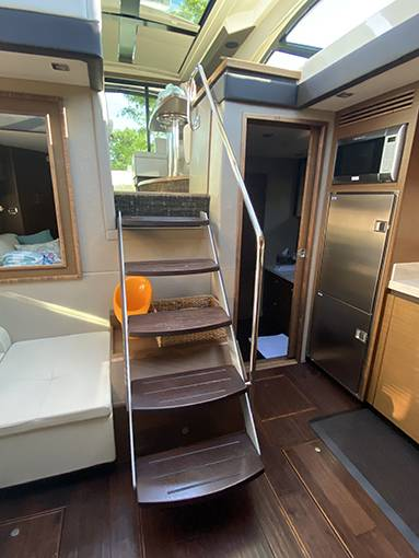2014 Sea Ray boat for sale, model of the boat is 510 SUNDANCER & Image # 16 of 47