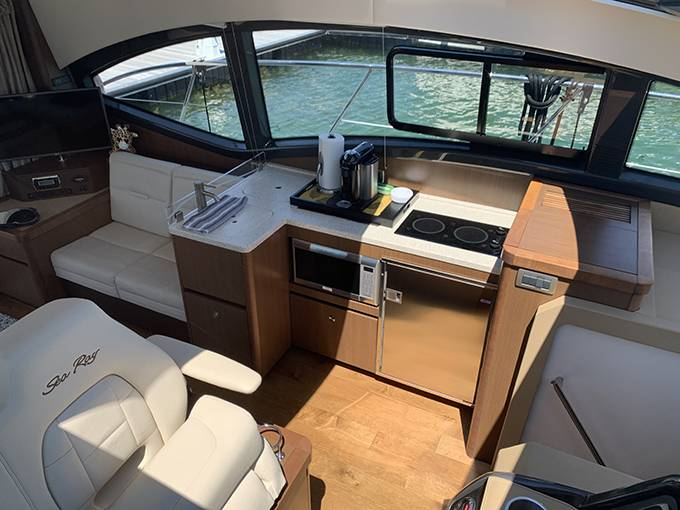 2016 Sea Ray boat for sale, model of the boat is 400 SUNDANCER & Image # 20 of 44
