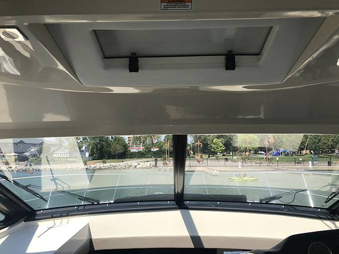 2017 Sea Ray boat for sale, model of the boat is 510 SUNDANCER & Image # 14 of 28