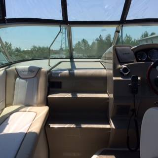 2012 Sea Ray boat for sale, model of the boat is 240 SUNDANCER & Image # 14 of 18