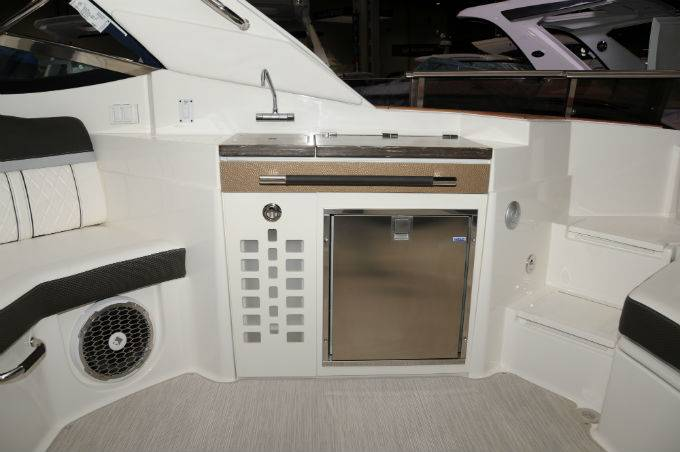 2019 Sea Ray boat for sale, model of the boat is SLX 350 & Image # 13 of 38