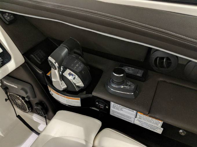 2019 Sea Ray boat for sale, model of the boat is SLX 350 & Image # 25 of 38