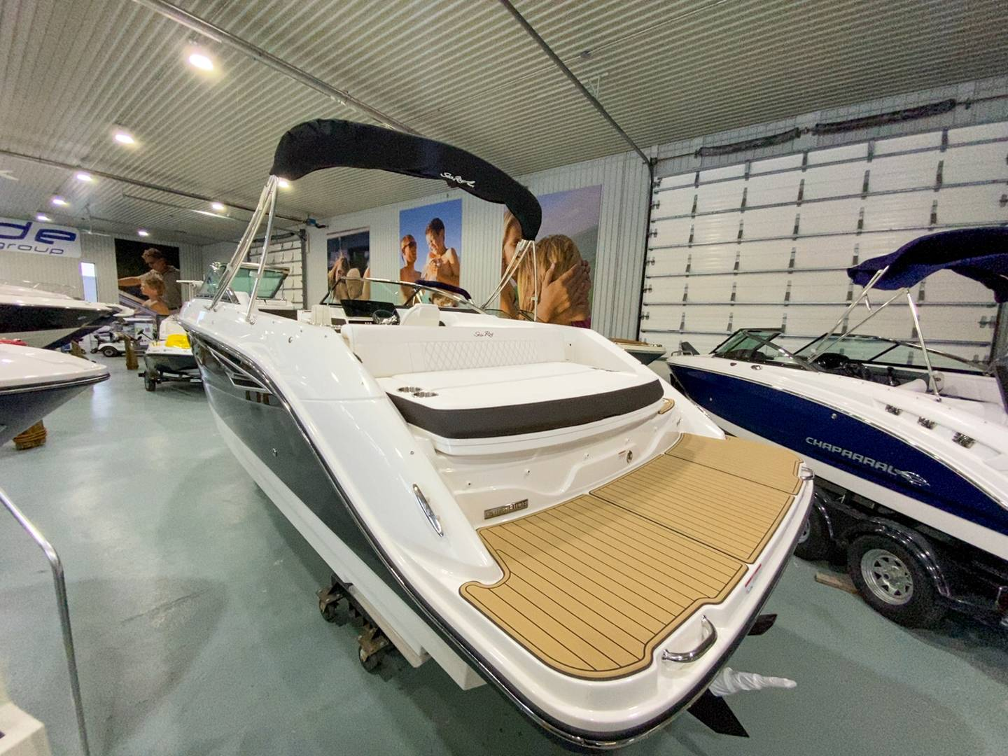 2021 Sea Ray boat for sale, model of the boat is SLX 250 & Image # 15 of 16