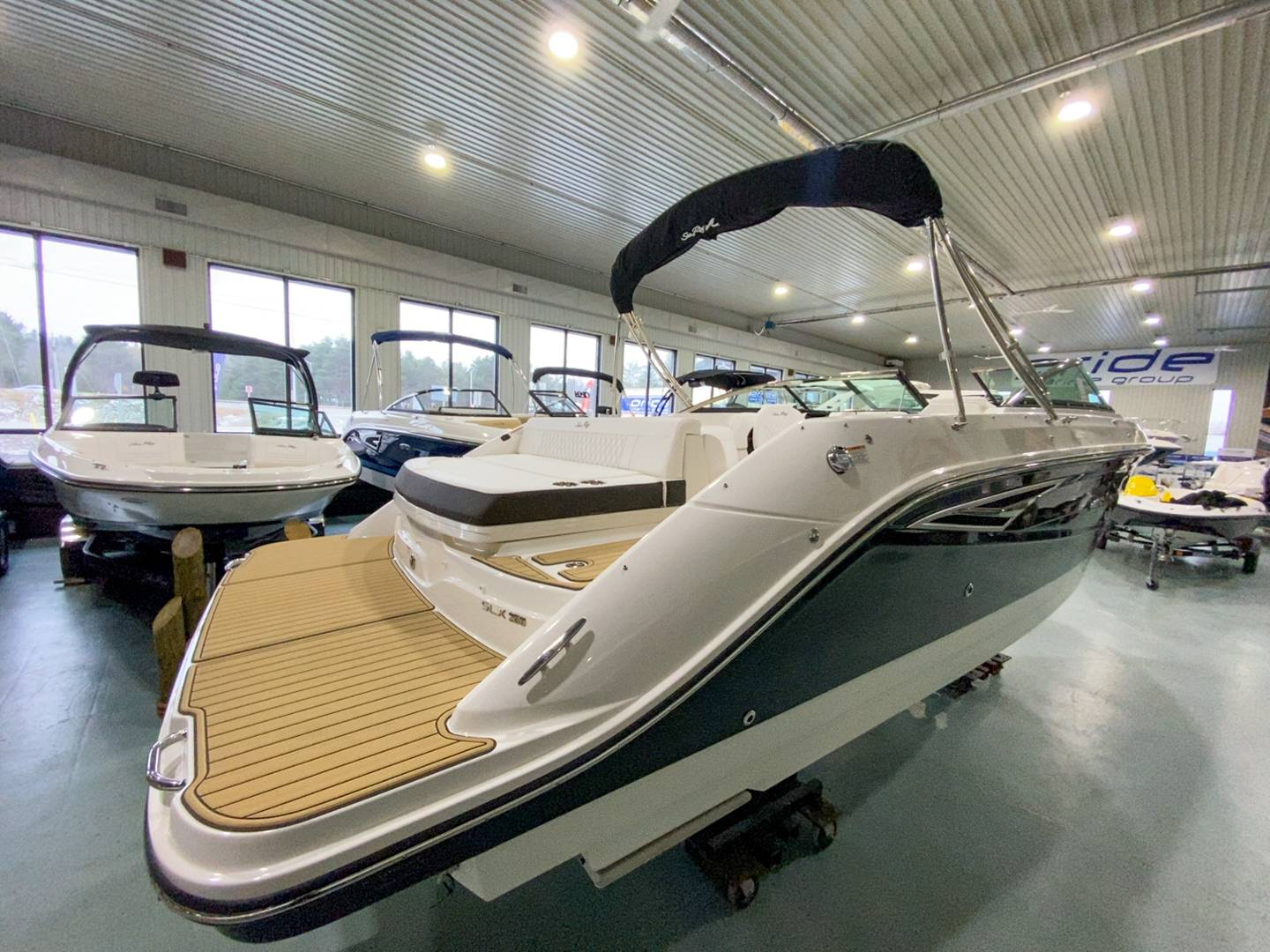 2021 Sea Ray boat for sale, model of the boat is SLX 250 & Image # 13 of 16