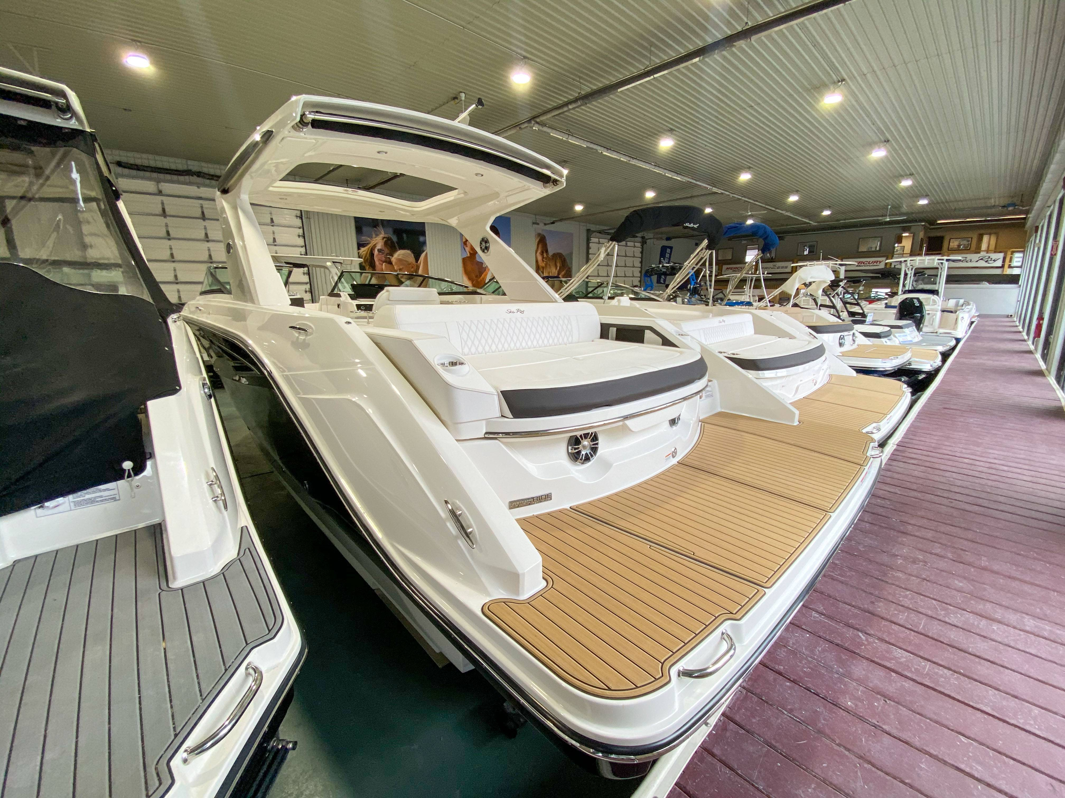 2021 Sea Ray boat for sale, model of the boat is SLX 310 & Image # 17 of 24