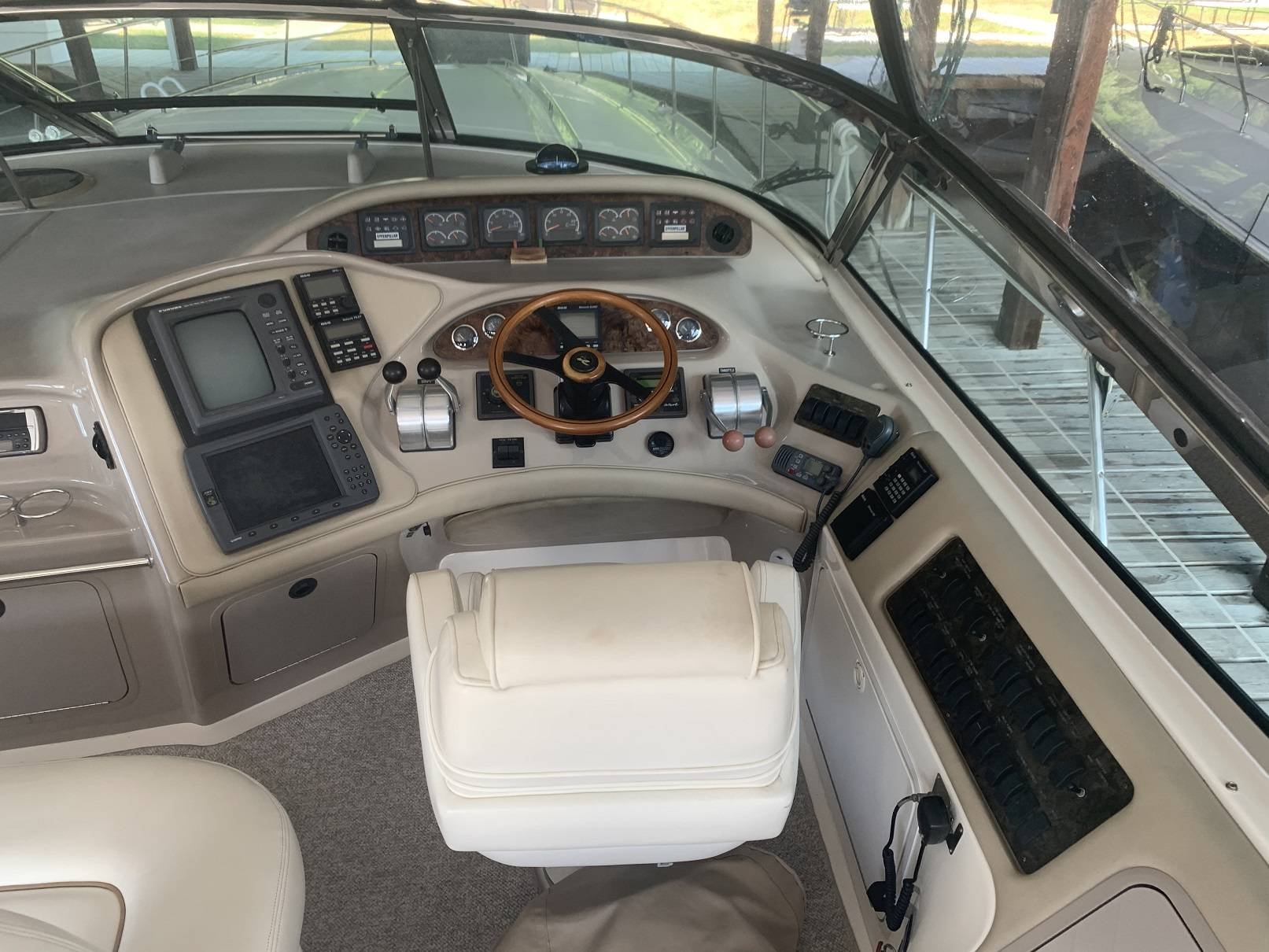 1998 Sea Ray boat for sale, model of the boat is 540 SUNDANCER & Image # 15 of 59