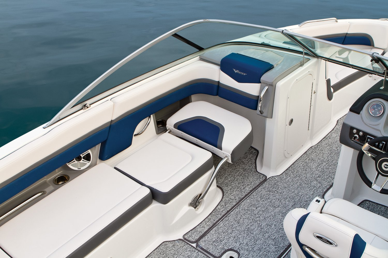 2016 Chaparral boat for sale, model of the boat is 223 VORTEX VR & Image # 5 of 25