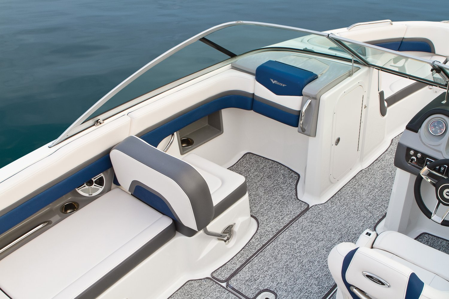 2016 Chaparral boat for sale, model of the boat is 223 VORTEX VR & Image # 6 of 25