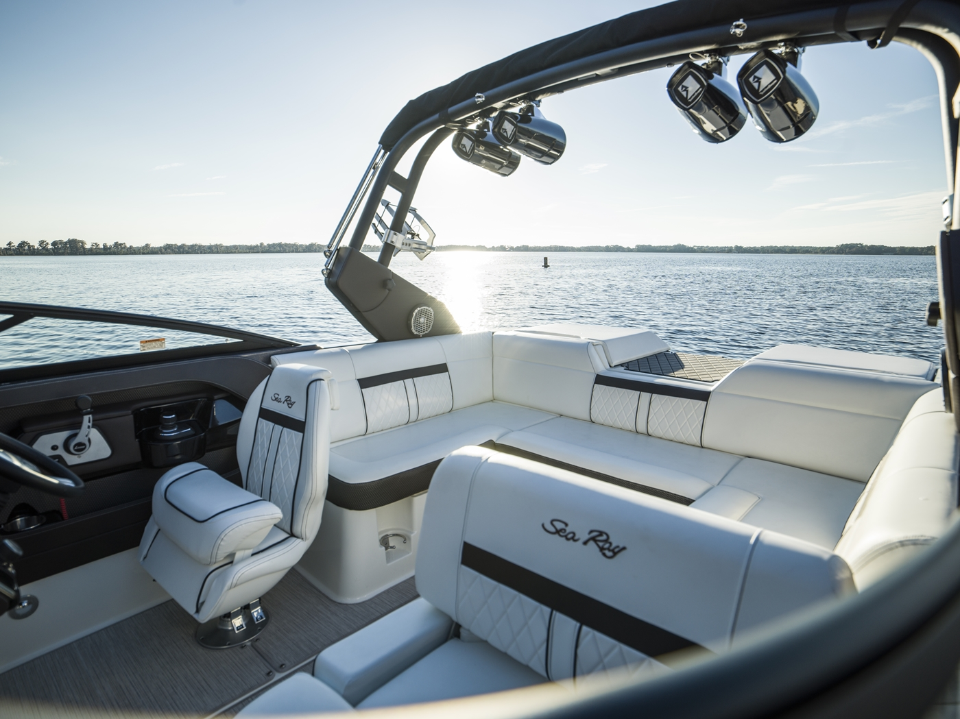 2017 Sea Ray boat for sale, model of the boat is SLX-W 230 & Image # 15 of 26