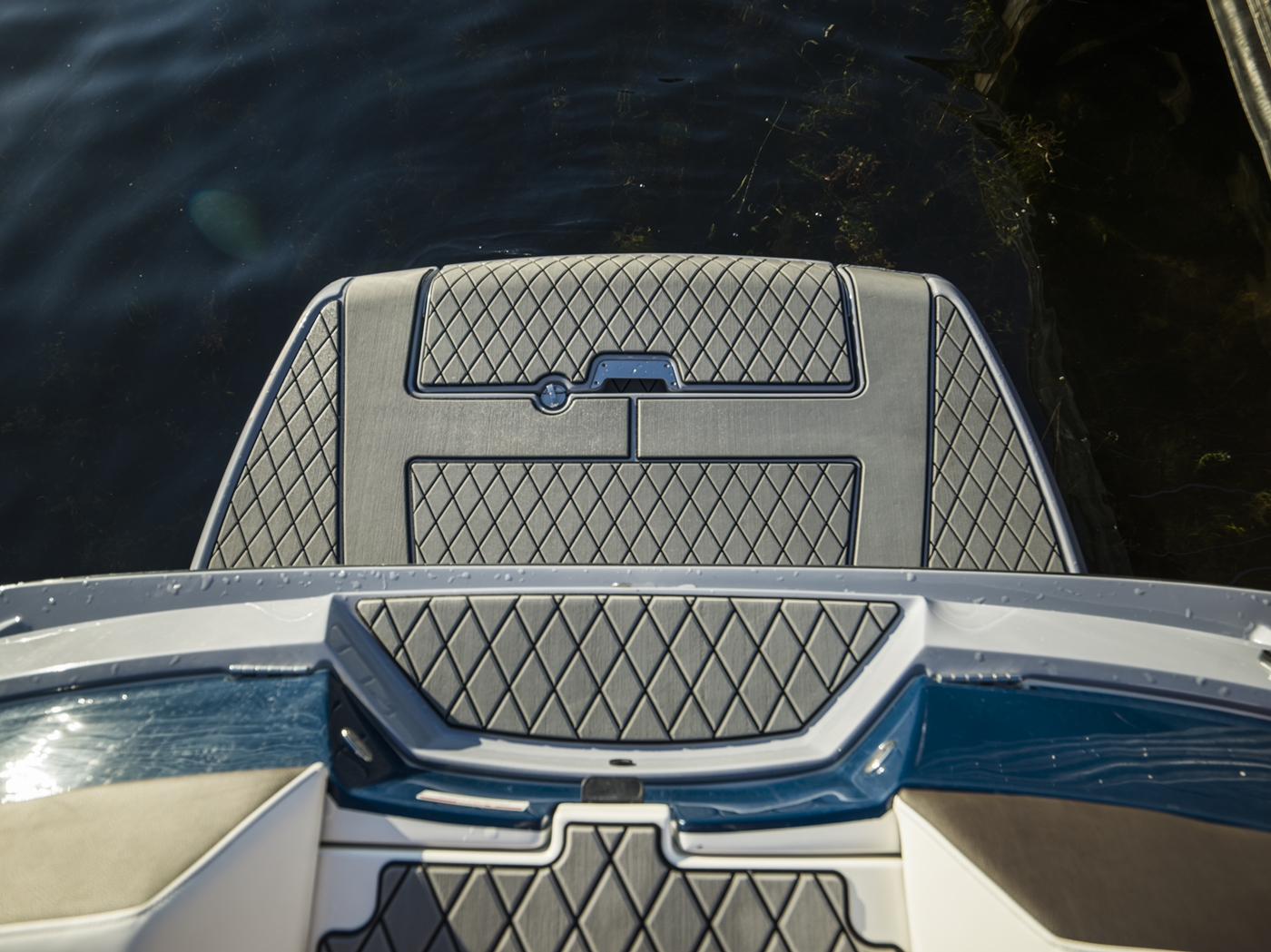 2017 Sea Ray boat for sale, model of the boat is SLX-W 230 & Image # 22 of 26