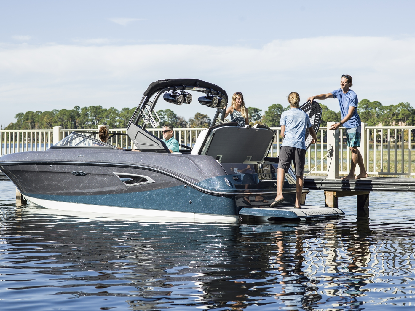 2017 Sea Ray boat for sale, model of the boat is SLX-W 230 & Image # 24 of 26